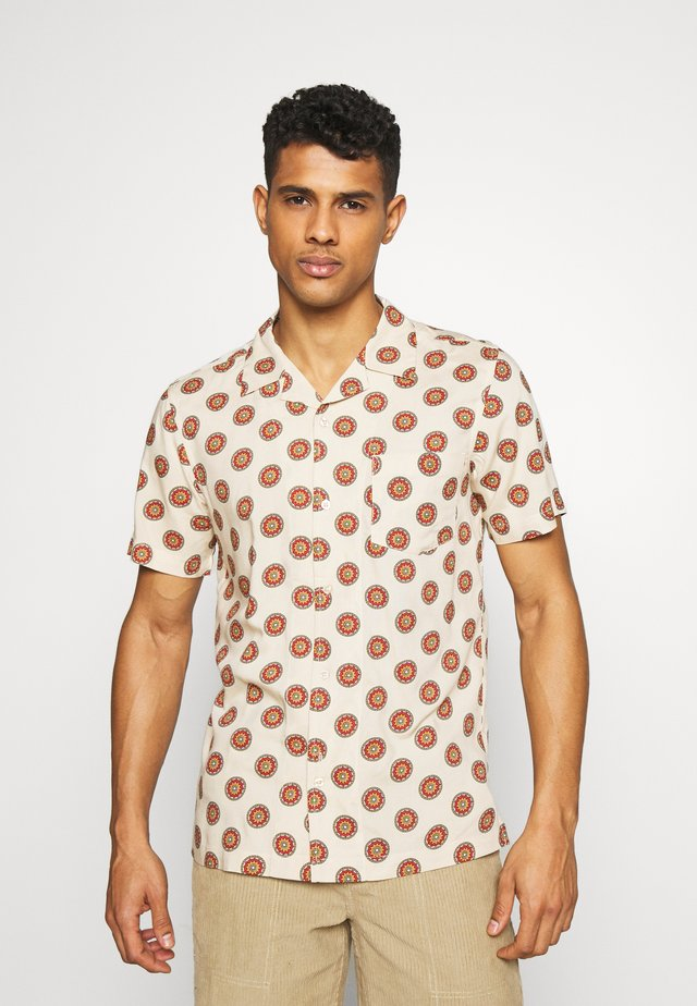 SINGLE POCKET CUBAN COLLAR DIAL PRINTED SHIRT - Camisa - mushroom