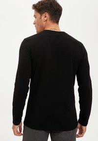DeFacto - MAN - Jumper - black - 1