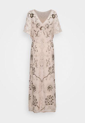Společenské šaty - pale pink
