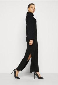 Missguided Petite - FLUFFY SLOUCHY SIDE SPLIT JUMPER DRESS - Pullover - black - 3