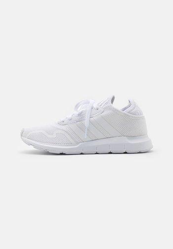 SWIFT UNISEX - Sneakers - footwear white