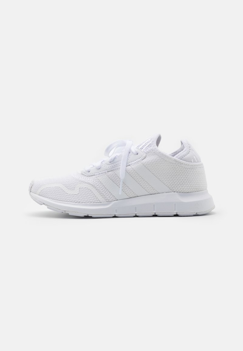 adidas Originals - SWIFT UNISEX - Matalavartiset tennarit - footwear white
