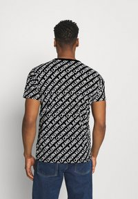 Calvin Klein Jeans - DIAGONAL TEE - Triko spotiskem - black - 2