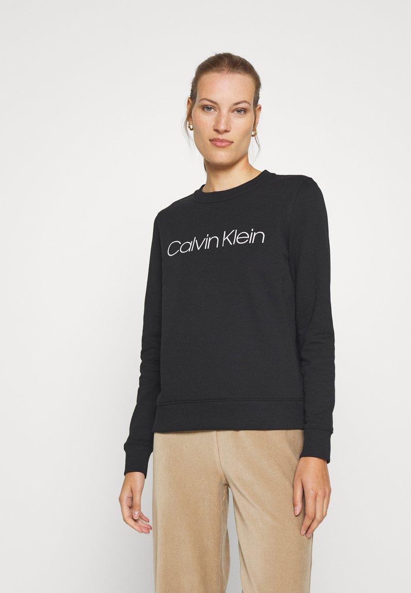 Calvin Klein - CORE LOGO - Bluza - black