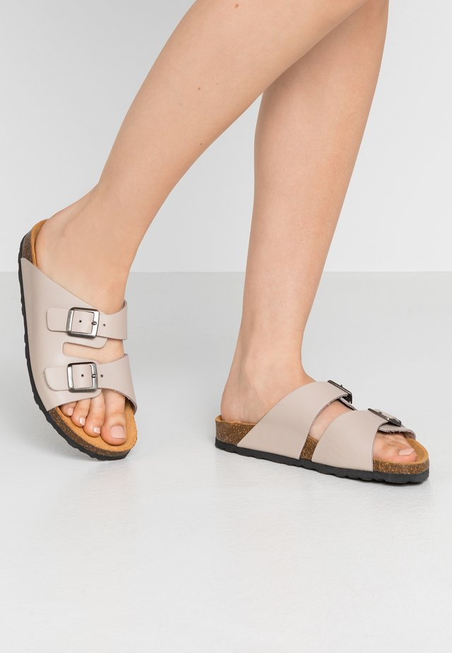 BIABETRICIA - Slippers - natural