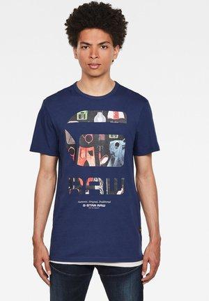 GRAPHIC LOGO - T-shirt print - imperial blue