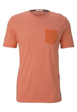 MIT BRUSTTASCHE - Print T-shirt - orange mocktwist stripe