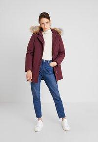 Canadian Classics - LINDSAY - Down coat - port - 1