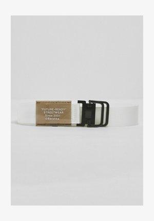 Pletený pásek - white