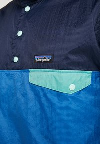 Patagonia - SNAP - Větrovka - port blue - 6