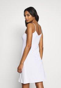 Marks & Spencer London - COOL SLIP - Noční košile - white - 2