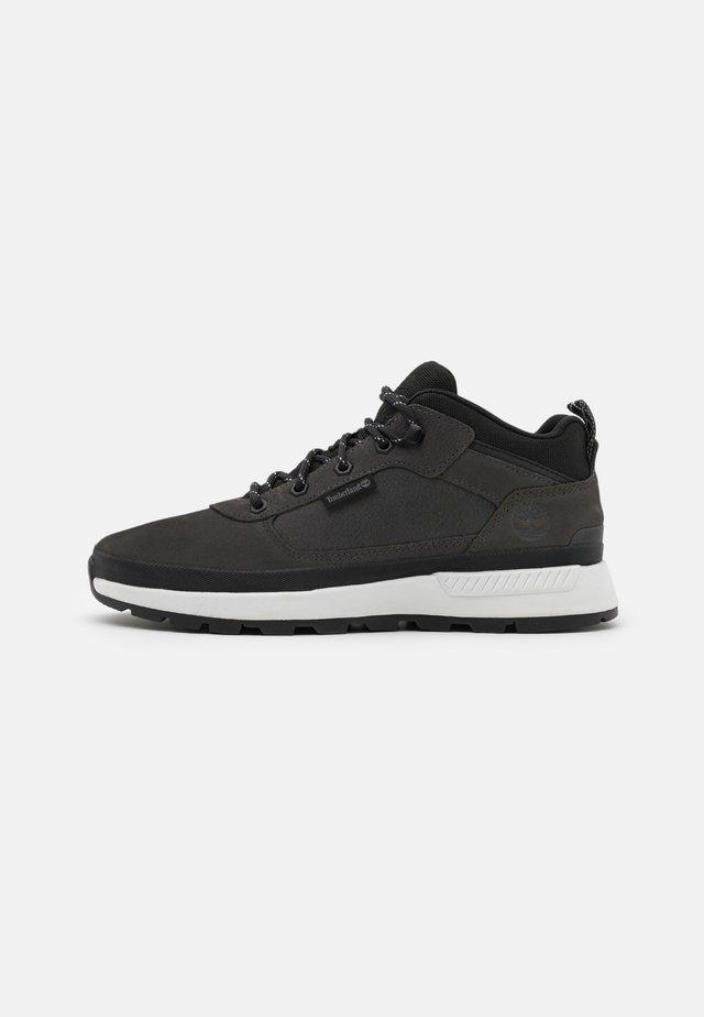 FIELD TREKKER - Sneakers alte - medium grey