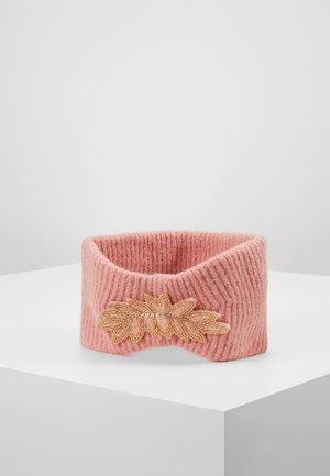 Ear warmers - blush