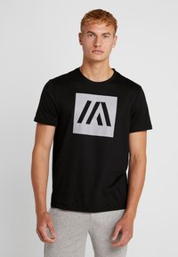 Your Turn Active - T-shirt imprimé - jet black - 0