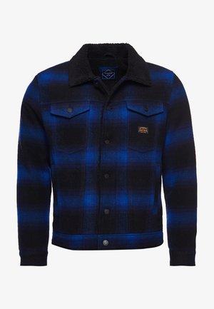 Light jacket - blue falls ombre