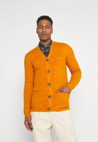Redefined Rebel - TOBY CARDIGAN - Cardigan - golden oak - 0