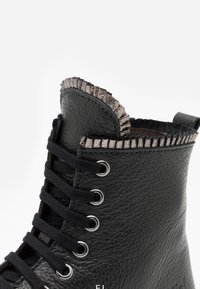 clic! - Lace-up ankle boots - black - 5