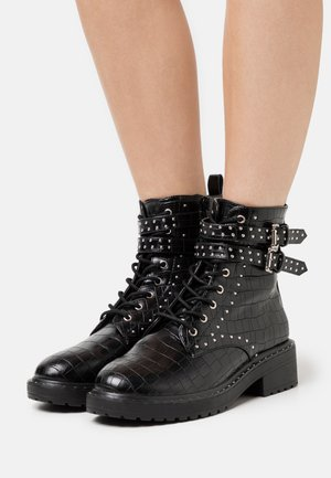 MAJESTIC STUD LACE UP BOOT - Santiags - black