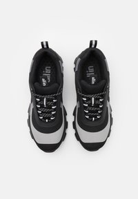 all in - YOKOAMA BASKETS BASSES - Trainers - black/grey - 5