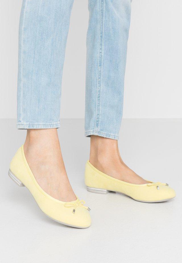 Ballet pumps - lemon
