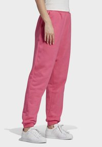 adidas Originals - CUFFED  - Tracksuit bottoms - sesopk