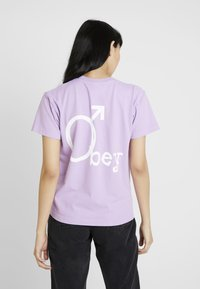Obey Clothing - CHROMEOBEY - Print T-shirt - lavender - 2