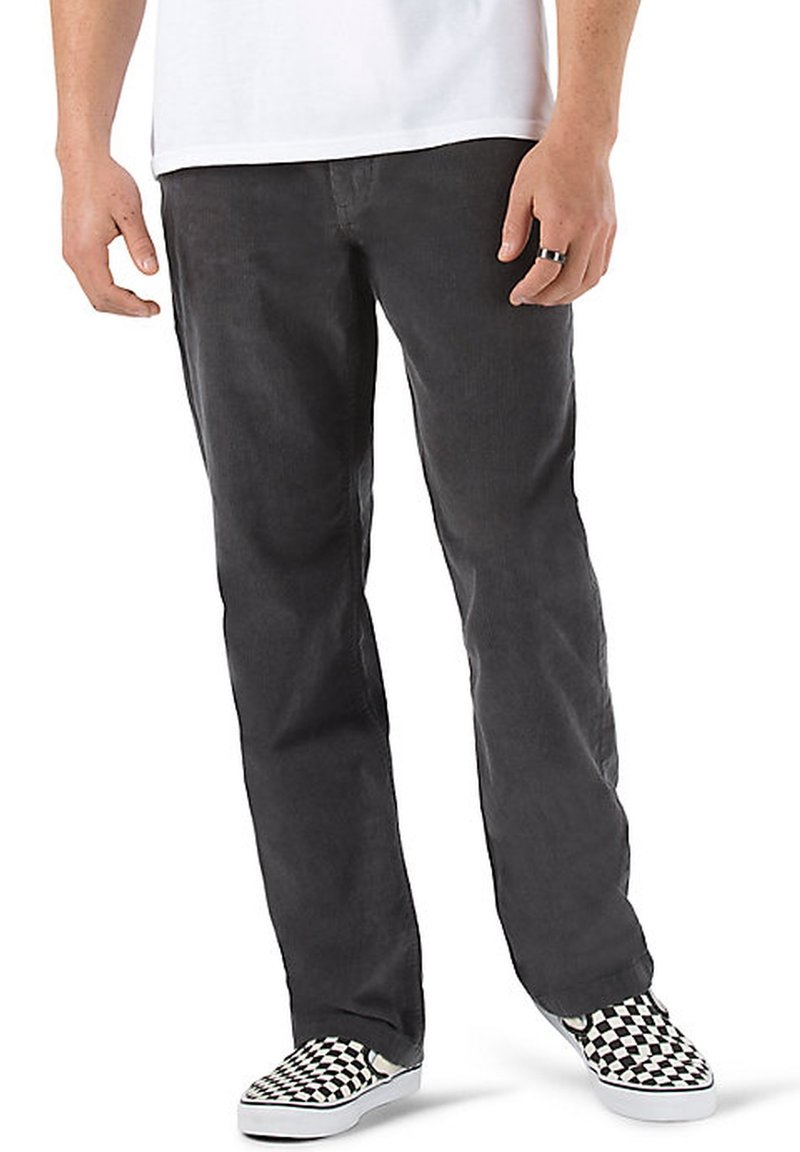 Vans - MN AUTHENTIC CHINO CORD RELAXED PANT - Trousers - asphalt