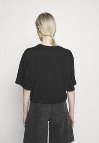 Monki - ABELA - T-shirts - black dark - 2
