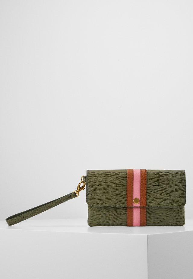 WRISTLET - Wallet - green