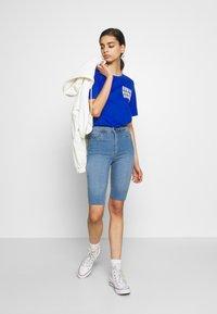 Noisy May - NMBE CALLIE - Szorty jeansowe - light blue denim - 1