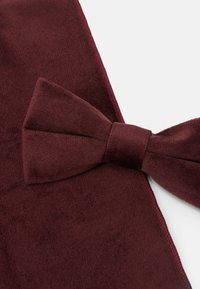 Only & Sons - ONSTBOX THEO BOW TIE HANKERCHIEF SET - Kapesník do obleku - winetasting - 7