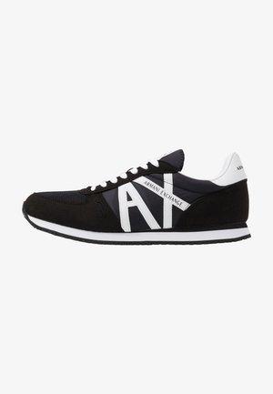 RETRO RUNNER - Sneakers - black/white