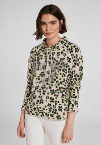 Oui - IM ANGESAGTEM PRINT - Sweatshirt - light grey green - 0