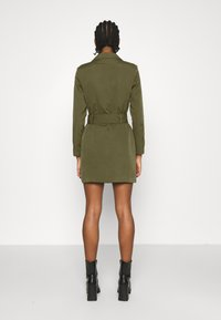 Missguided - BELTED BLAZER DRESS - Vestido de tubo - sage - 2