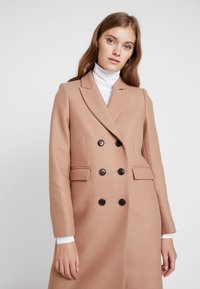 IVY & OAK - CLASSIC DOUBLE BREASTED COAT - Mantel - winter camel - 3