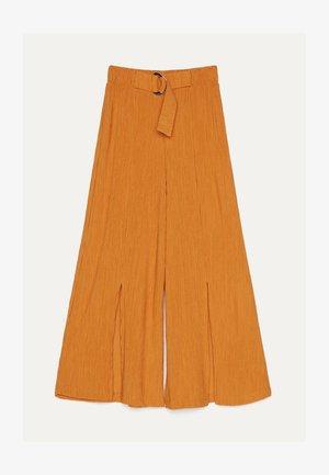 MIT WEITEM BEIN - Trousers - yellow