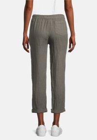 Cartoon - Trousers - linen green - 2