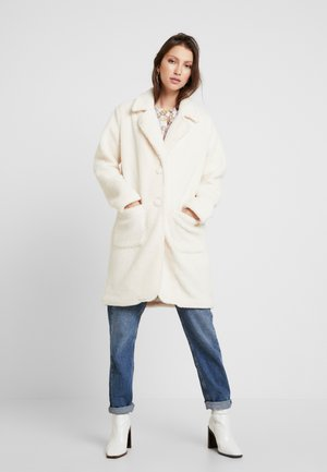 COLLARED TEDDY COAT WITH FRONT POCKETS - Classic coat - ivory