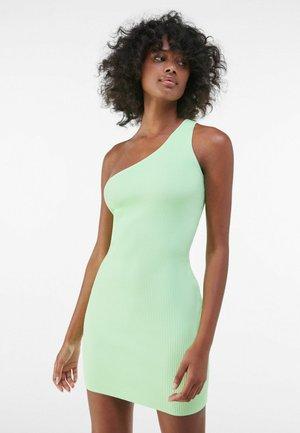 Etuikleid - green