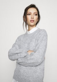 Pieces - PCPERLA  - Jumper - light grey melange - 3