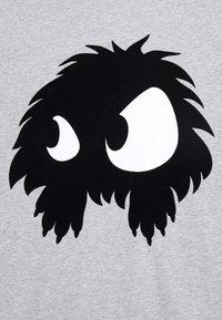 McQ Alexander McQueen - DROPPED SHOULDER - Print T-shirt - mercury melange - 6