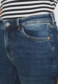 Monki - MOCKI NEW  - Jeansy Skinny Fit - blue/medium-dusty - 4