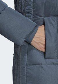 adidas Originals - WINTER REGULAR JACKET - Down jacket - legacy blue - 6