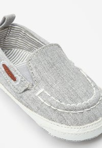 Next - GREY PRAM SLIP-ON BOAT SHOES (0-24MTHS) - Boat shoes - grey - 5