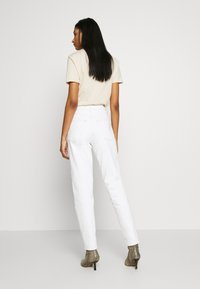 Topshop - MOM - Relaxed fit jeans - offwhite - 2