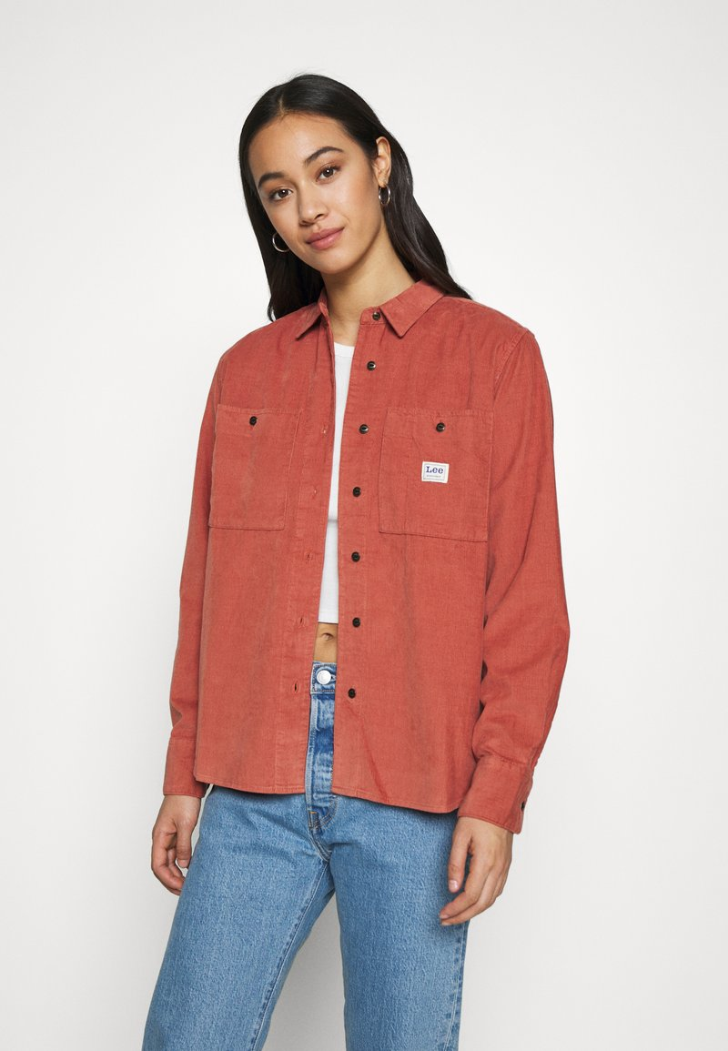 Lee - FEMININE WORKER - Button-down blouse - burnt ocra