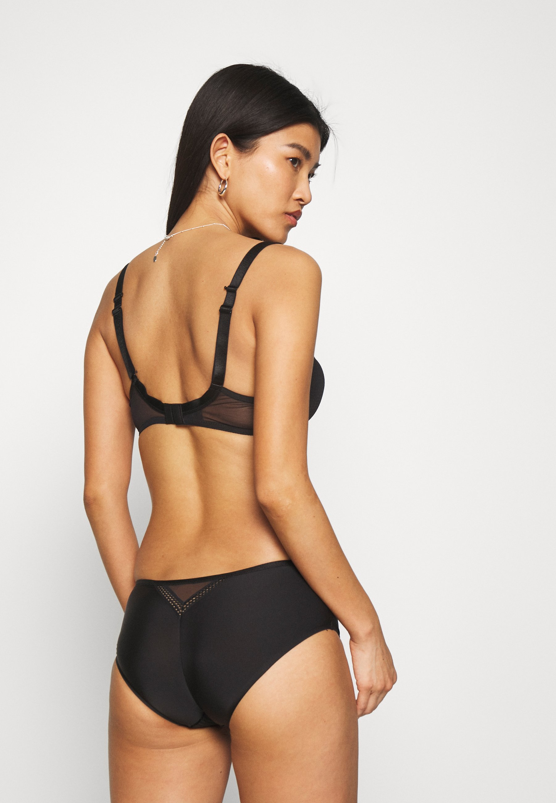 Femme CHIC ESSENTIAL SHORTY - Shorty