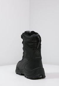 Columbia - BUGABOOT PLUS III OMNI-HEAT - Winter boots - black/charcoal - 3