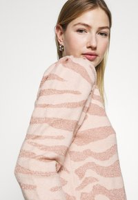 ONLY - ONLCERIE - Sweatshirt - seashell pink/gilded beige glitter - 3