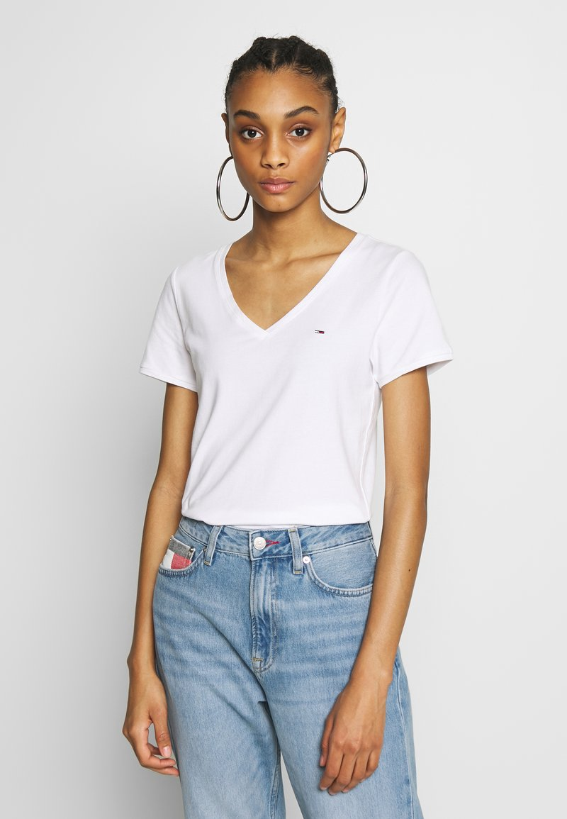 Tommy Jeans - SHORTSLEEVE STRETCH TEE - Basic T-shirt - white